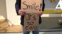 Please Smile - Aktionskunst in der City