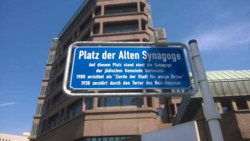 Platz der alten Synagoge - Schild