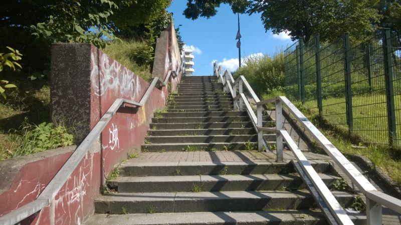 Treppe in Do-Barop in Nähe der S-Bahn