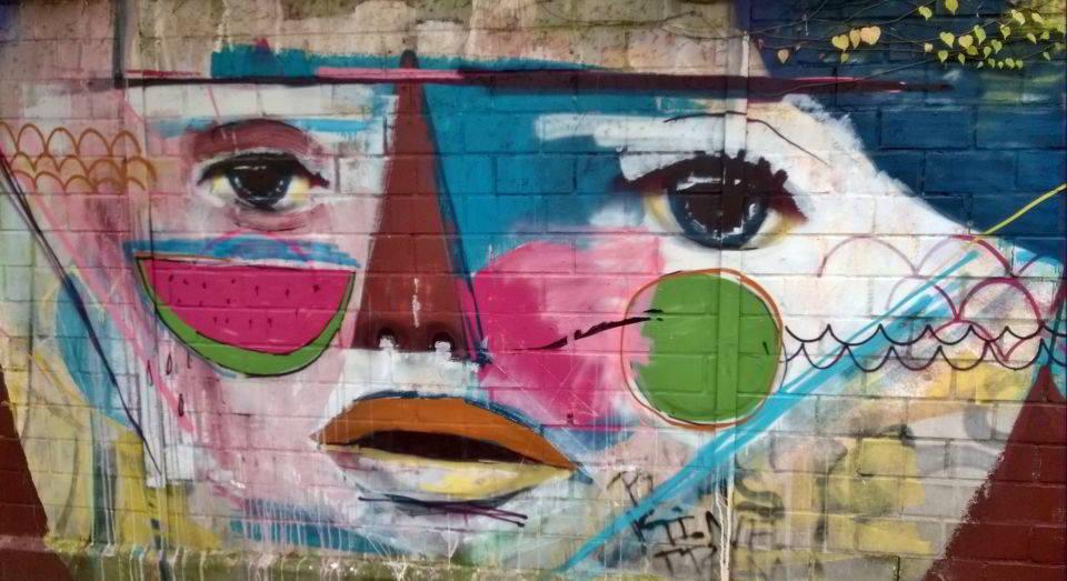 Fantasievolles Gesicht als Graffiti