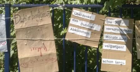 Schilder gemalt von den Refugees - Teil 1