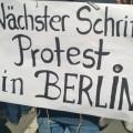 Weiter gehts nach Berlin - handgemaltes Schild.