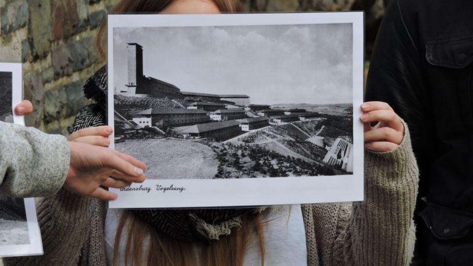 Ein Originalbild der Burg Vogelsang zur Nazizeit