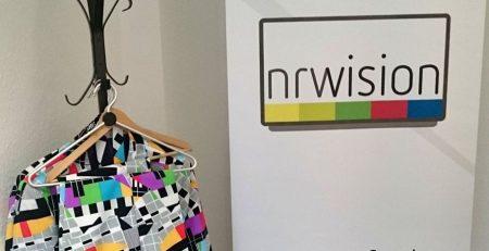 Ausschnitt des Werbebanners des Senders nrwision in Dortmund